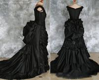 vestidos victorian steampunk venda por atacado-Tafetá frisada gótico vitoriano Bustle vestido com trem vampiro baile de máscaras preto Halloween vestido de casamento de Steampunk Goth do século 19