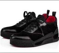 ingrosso le scarpe da ginnastica delle marche-Nome Marca Designer Scarpa casual Uomo Sneaker bassa rossa Piatto Nuovo designer Stringate in alto Colori misti Scarpe da ginnastica bianche nere Taglia 38-46 710