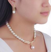 diamante schmucksets großhandel-Günstige Preise Perle Braut Schmuck Sets Creme Faux Rhinestone-Rosen-Goldkristall Diamante Hochzeit Halskette Ohrringe Sets