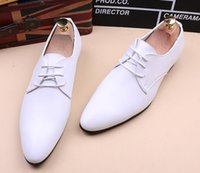 Hot selling Italy classic design Fashion Men's pointed white black oxford shoes Male Dress Homecoming Wedding groom Shoes man Sapato Social Masculino