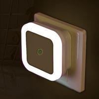 ingrosso spine di luce-6PCS / Carton LED Night Light Mini controllo del sensore di luce 110 V 220 V EU US UK Plug lampada a risparmio energetico per soggiorno camera da letto illuminazione