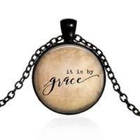 cotizar collares al por mayor-Nuevo collar creativo de moda Colgante Es por collar inspirado en la gracia, joyería cristiana, versículo de la Biblia Collar de gracia Cita colgante