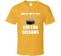 нэшвилл хоккей оптовых-8-й день Бог создал Колтон Сиссонс Нэшвилл хоккей T ShirtFunny бесплатная доставка мужская повседневная футболка