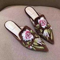 bordado de corrente de metal venda por atacado-2019 Marca 3D chinelos mulheres de couro genuíno Plana Mulas sapatos de Metal Cadeia Sapatos Casuais Mocassins Moda Chinelos Bordados Ao Ar Livre Das Senhoras