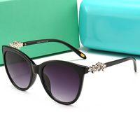 sexy lady al por mayor-Nuevas gafas de sol del ojo de gato de las mujeres bonitas hembra anteojos gafas de moda atractiva de las señoras de los vidrios de Sun de la perla Gradiente vidrios decorativos pies