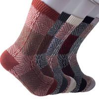 ingrosso calzini di lana di alta qualità uomini-201910 Autunno Inverno cotone calze di lana spessore caldo 5 colori Men vento stile dell'annata nazionale Socks regalo di alta qualità Calze M757F