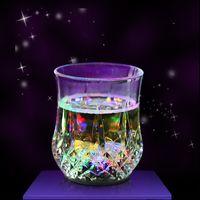 blinkende trinkbecher großhandel-Party Supplies Bunte Plastikbecher Partei LED-Licht Luminous Bier-Becher Bunte Cup für Wein Whisky Startseite Trinken Flashing Glow Becher Trinken