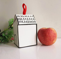kleine haus geschenk-boxen groihandel-2019 Handgemaltes Small House Paper Candy Box Cookies Verpackung Box Nougat Backen Verpackung Geschenkbox mit Band