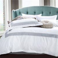 edredon bordado branco venda por atacado-algodão branco bordado tamanho conjuntos de cama rainha do rei hotel de luxo 4pcs cetim capa de edredão set cama folha plana de linho fronha