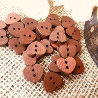 kahverengi düğme ahşap toptan satış-100 adet Retro Küçük Kalp Şekli Kahverengi Ahşap Düğme, Dikiş Hurda rezervasyon Kartı Yapımı Doğal Ahşap Bezemeler Kaynağı