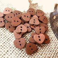 botão marrom madeira venda por atacado-100 pcs Retro Pequeno Coração Forma Botão de Madeira Marrom, Costura Sucata cartão de Visita Que Faz A Madeira Natural enfeites de Abastecimento