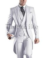 siyah kuyumcu elbisesi toptan satış-İtalyan Erkekler Için Tailcoat Gri Siyah Beyaz Düğün Takım Elbise Erkekler Groomsmen Takım Elbise 3 Parça Doruğa Yaka Damat Gelinlik
