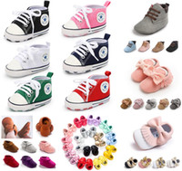 sapatinhos de sapatinho de bebê venda por atacado-Sola macia Mocassins Recém-nascidos Moccs Sapatinhos de Bebê Borla Sapatos Infantis Sapatos Berço Prewalker Bebê Esporte Tênis 300 estilos para escolher