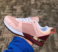 zapatos casuales de los mocasines de los hombres al por mayor-Zapatos de diseñador de alta calidad de Marca Hombres Mujeres Low Cut Casual Run Away Shoes Francia Marca Hombres Mujeres Zapatillas de deporte Mocasines 36-44