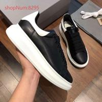 kadınlar için beyaz kauçuk ayakkabılar toptan satış-Erkek Kadın Dantel-up Deri Sneakers Kauçuk Taban Eğitmenler Casual Severler Ayakkabı Yüksekliği Artan kalın sole ayakkabı siyah ile arka