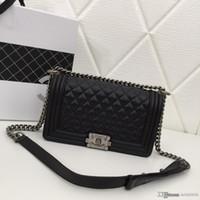 schwarzer metall eimer großhandel-Mode Luxus Damen Umhängetasche neutrale Stil rhombische Designer Tasche blau schwarz weinrot rosa Nummer: 67086.