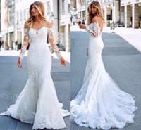 kapalı beyaz bohem elbiseler toptan satış-Romantik Beyaz Dantel Tül Mermaid Gelinlik Zarif Kapalı Omuz Sheer Uzun Kollu Aplike Uzun Tren Gelin Törenlerinde Yaz Bohemian