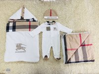 trajes de bebé calientes al por mayor-Ropa de bebé recién nacido Bebé niño niña Ropa de marca Traje cálido y suave de algodón de alta calidad Bebé mono ropa de diseñador para niños A-6
