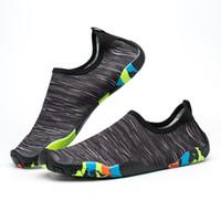 aqua yoga achat en gros de-Cool Hommes Femmes Chaussures D'eau De Mode À Séchage Rapide Léger Pieds Nus Aqua Sneakers pour Surf Nager Marcher Yoga Chaussures Plus La Taille