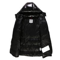 jaqueta de inverno grossa masculina venda por atacado-Brasão Mens de Down Fahion Brasão Designer Inverno cor sólida jaqueta grossa com capuz Atacado de alta qualidade Homens Roupa Asiático Tamanho
