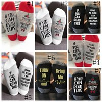 портативный аккумулятор рождественский свет оптовых-7styles рождественские носки письмо печатные колено высокие носки Мужчины Женщины алфавит носок спорт йога носок рождественские украшения GGA2557