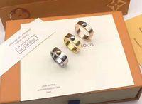 14k roségold ringe groihandel-Heißer Verkauf designer Ringe Edelstahl Luxus 18 Karat Vergoldet Liebhaber Ringe Männer Frauen Ring Rose Vergoldet Schmuck L ringe