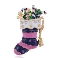 ingrosso calze naturali viola-Nuova moda, semplice regalo di Natale, High-end viola calze di Natale in lega spilla in Europa e in America