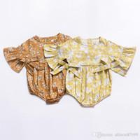 jumpsuit jaune bébé achat en gros de-2019 Ins Vêtements bébé fille Floral Rompers Combinaison manches évasées Arcs Doux vêtements pour bébés 100% coton Jaune Eté