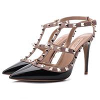 cinturón de zapatos de boda al por mayor-Remache señaló tacones altos para mujer súper tacón alto Sandalias de la correa del estilete Zapatos de boda de dama de honor Zapatos de boda femenina de verano