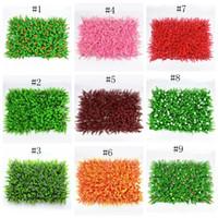 ingrosso erba del prato-Ambiente in erba sintetica colorato prato artificiale colorato durevole plat parete delicata erba di plastica per giardino di nozze EEA310
