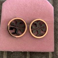 boucles d'oreilles rondes achat en gros de-Bijoux de marque de mode Boucles d'oreilles 18K rose plaqué or shell clé en acier inoxydable lettre ronde boucles d'oreilles pour les femmes mariage bijoux cadeau