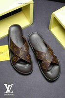 zapatillas de cuero de moda para hombre al por mayor-2019 Designer Slides Europa marca moda para hombre sandalias desgastes verano Huaraches zapatillas chanclas zapatillas de cuero-hombres