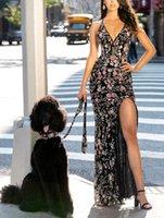 красные ковры открытые щелевые платья оптовых-2020 Удивительные Printed Платья Wear High Split щелевая Спагетти Глубокий V-образный вырез с открытой спиной платье Pageant партии платье красного ковра Длинные