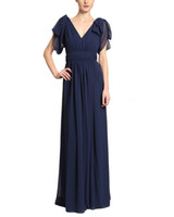 robes de mariée bleu étonnantes achat en gros de-Incroyable 2019 A-Line Marine Bleu Plissée Mère De La Robes De Mariée Avec Des Manches Col En V Dos Nu Formelle Robes De Mariage Robes Invité