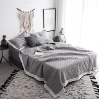 gri yatak takımları toptan satış-Yatak örtüsü Kraliçe boyutu Yatak örtüsü seti% 100% Pamuk Kapitone Katı renk Gri Beyaz Yatak seti Kapak Yetişkinler için Uygun cubrecama