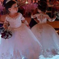 şirin dantel çiçek kız elbiseleri toptan satış-2020 Sevimli Jewel Boyun Dantel Çiçek Kız Elbise Uzun Kollu Tül Dantel Boncuklu İlk Communion elbise Kız Pageant Törenlerinde Ile Kapak Düğmesi