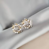 gehobene ohrringe großhandel-2019 Korea New Design Fashion Schmuck Upscale elegante Perforierte Garland Ohrringezircon Perlen-Ohrringe für Frauen Geschenk