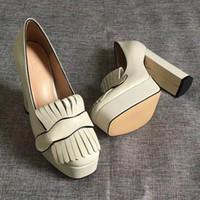zapatos de cuero marrón al por mayor-El envío libre tan Estilos Kate 9.5cm altos talones inferiores rojos desnudo del color del cuero auténtico del dedo del pie del punto de las mujeres bombea los zapatos de boda de goma