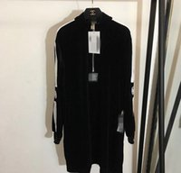 kadife stand toptan satış-Sıcak Yeni Tasarımcı Siyah Standı Yaka Uzun Kollu Kadife Kadın Elbise Mektup Nakış Marka Aynı Stil Vestidos klasik