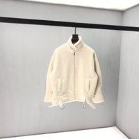 abrigos de lana británicos al por mayor-2020 otoño y el invierno británico última gran letra hombro hacia atrás impresión de la manera abrigo de lana de cordero blanco y negro unisex superior de buena calidad