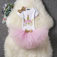 geburtstags-outfits für mädchen großhandel-Einzelhandelsbabyausstattungs-Trainingsanzug 3pcs stellt Unicorn-Spielanzug + Rüsche-Ballettröckchen-Röcke + Haar-Bogen-Stirnbänder ein Geburtstagsfeier kleidet Kinderboutique