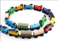 brinquedos de trem grátis venda por atacado-Blocos de madeira Trens Modelo de Construção de Brinquedos 70 Estilos De Madeira Trens de Carro Brinquedos EDWONE tOS DHL Frete Grátis