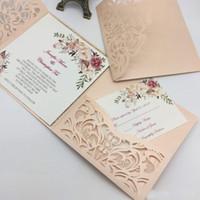 corte láser único al por mayor-Nuevo estilo único corte láser tarjetas de invitaciones de boda de alta calidad personalizada flor hueca nupcial tarjeta de invitación barato