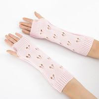 mangas de braço feminino venda por atacado-Mulheres longo inverno quente mangas Mittens Feminino coração Acrílico estiramento Knit Metade dedo dedos Arm Warmers Luvas C78