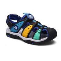 ingrosso ragazzi scarpe dita dei piedi-Bambini Sandali estivi Taglia 24-38 Toddler Grandi Ragazzi Ragazze Beach Shoes Punta chiusa In Gomma Stampato Casual Calzature Sandali Scarpe Basse Y190523