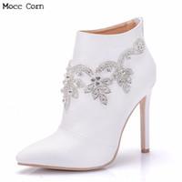 sexy botas de strass blanco al por mayor-Las mujeres de cuero genuino de cristal botas de tacón alto Rhinestone del talón delgado del dedo del pie puntiagudo botas de boda blanco sexy bombas tobillo bota zapatos