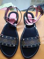 мужская сандалия горячая продажа оптовых-Роскошные тапочки дизайнерские сандалии вперед 2019 горячие продажи сандалии для мужчин и женщин дизайнер плоские тапочки высокое качество цветок печатных тапочки