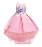 mädchen spitze kleid hellblau großhandel-Mädchen Bogen Faltenrock Formelle Prinzessin Kleid Spitze Mesh Blumendruck Hellblau Garnelen Rosa Champagner 1