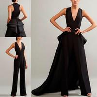 ingrosso tuta in nero v collo-Graceful Black Jumpsuit Prom Dresses Sexy scollo a V senza maniche Ruffles Abiti da sera con treno staccabile Abito arabo Occasioni speciali