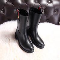 botines más vendidos al por mayor-duping520 Los botines de cuero más vendidos V390 Botas para montar para montar en la lluvia BOTAS BOTINAS BOLSOS DE SNEAKERS Tacones altos Zapatos de vestir PUMPS de Lolita